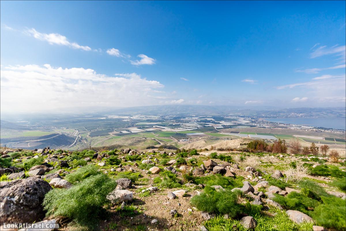 Смотровая площадка Кинерет Мендель, Голанские высоты - водопады и исторические места   LookAtIsrael.com - Фото путешествия по Израилю