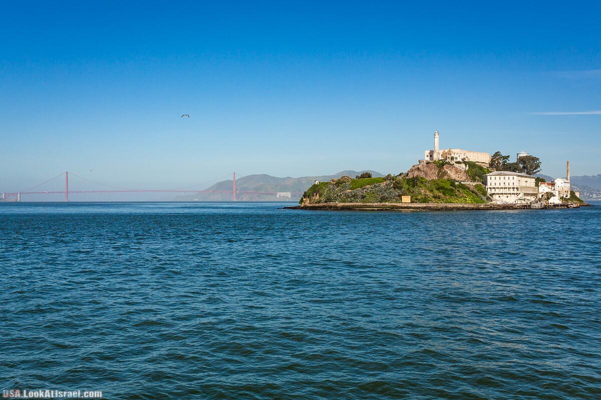 Добровольно Алькатрас покинуть может только турист