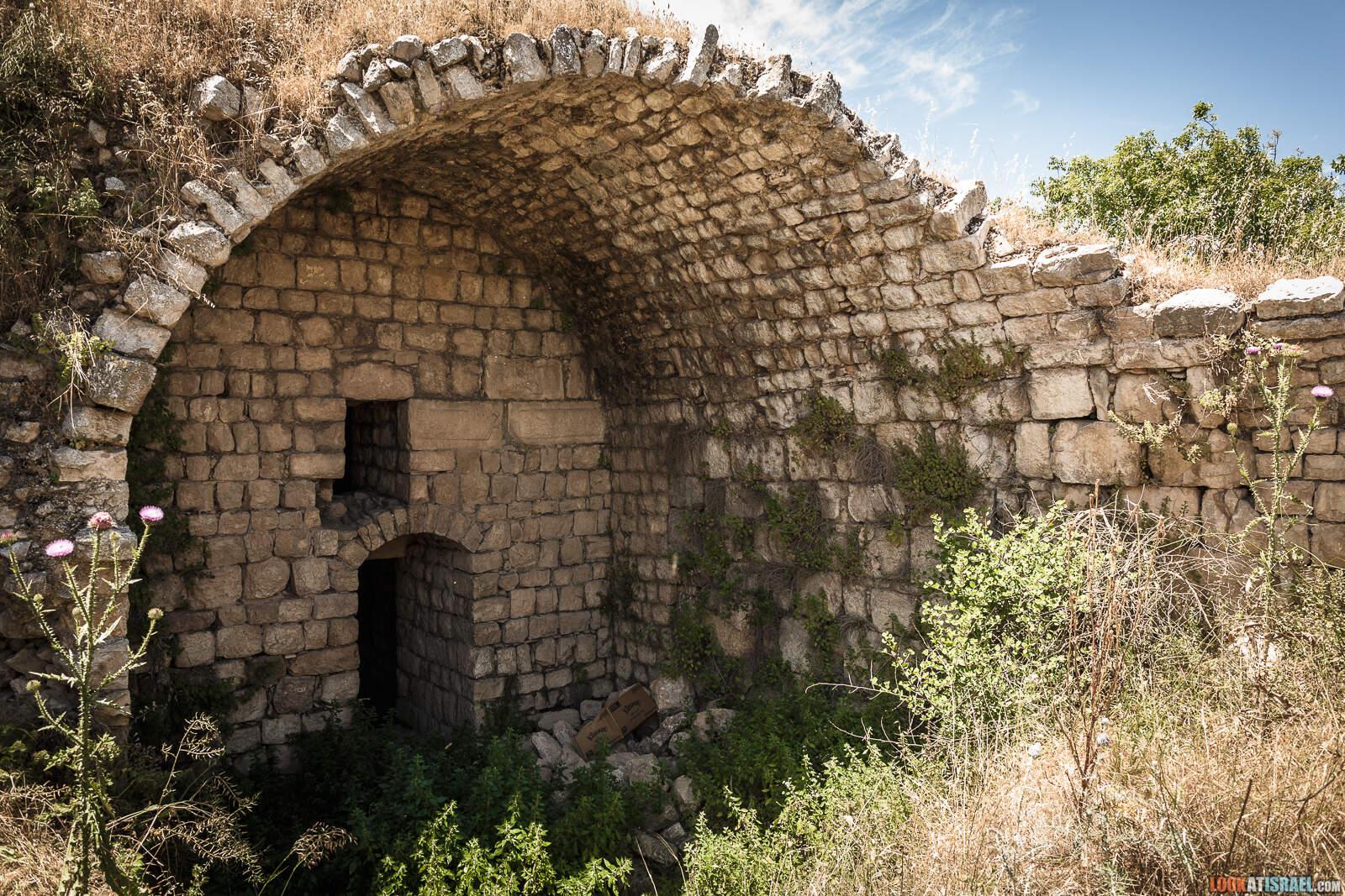 Крепость Хонин (Шато Неф)