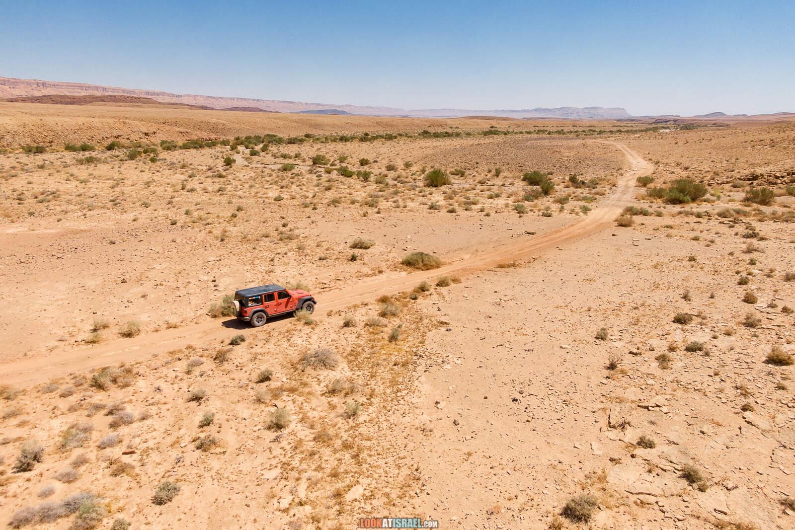 На внедорожнике вокруг махтеш Рамон, ручьи Афифон и Рамон | LookAtIsrael.com - Фото путешествия по Израилю