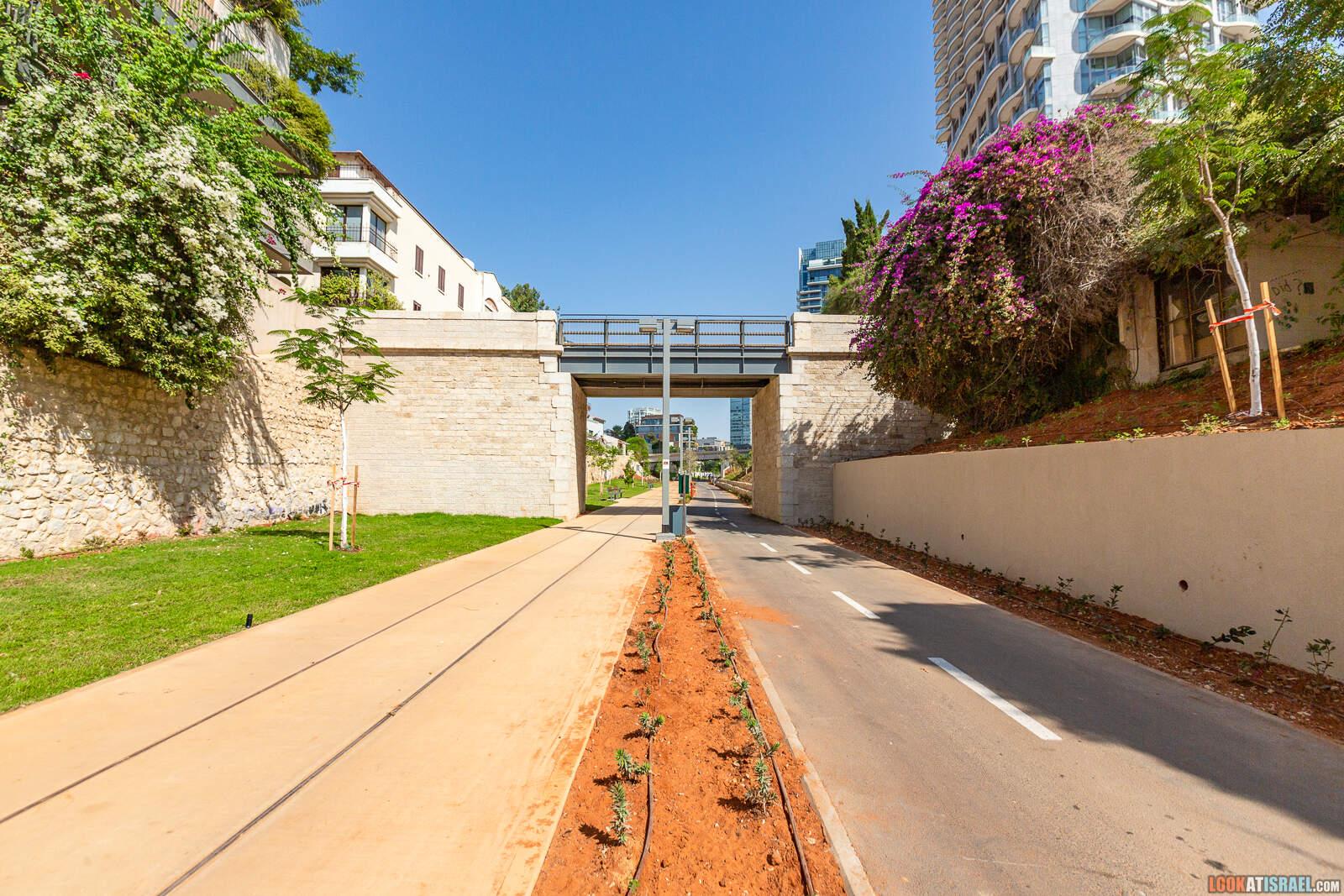 Парк ха-Месила в Тель Авиве | LookAtIsrael.com - Фото путешествия по Израилю