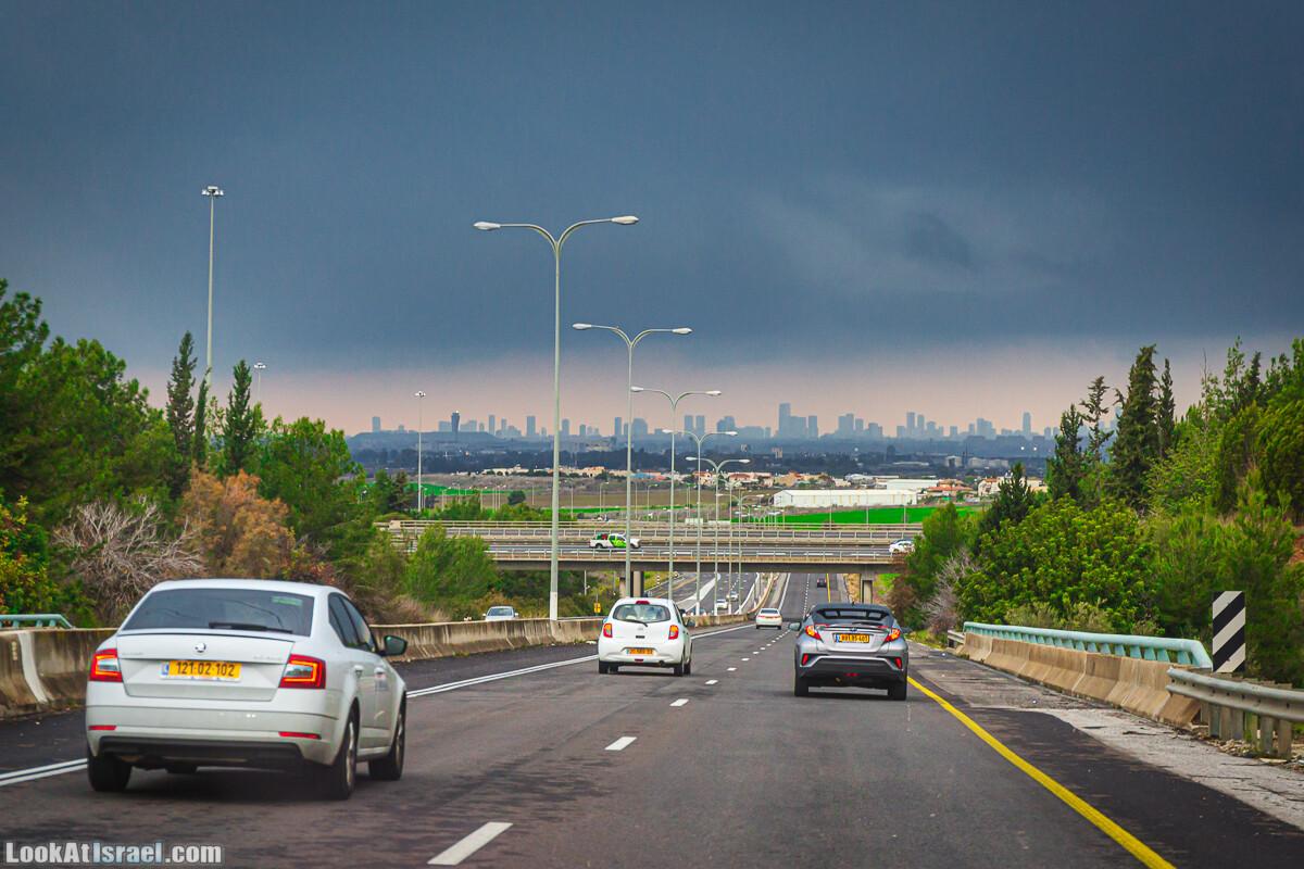 Одно фото одной дороги в Тель-Авив