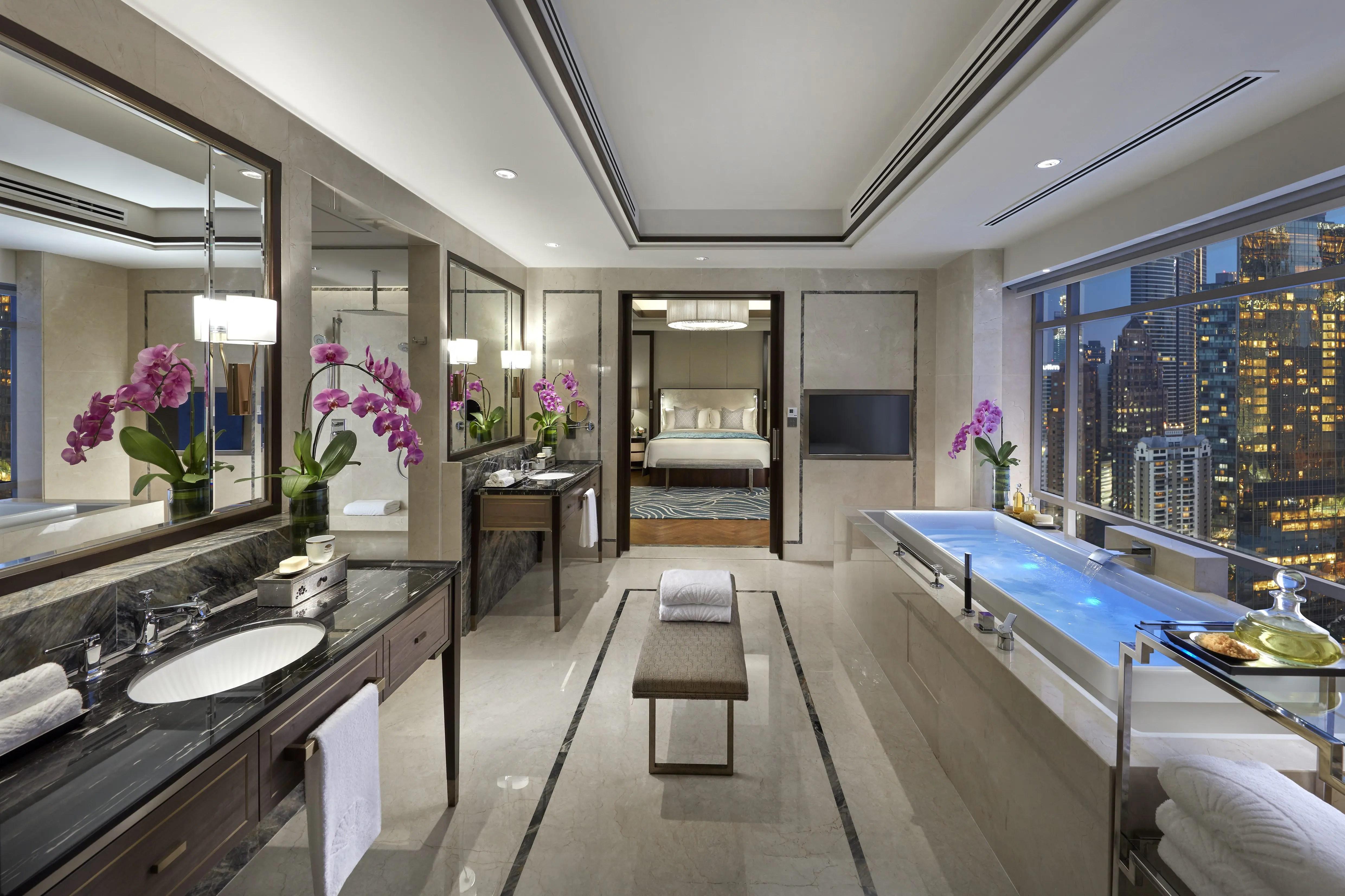 Luxury Accommodations Near Petrona Towers Mandarin