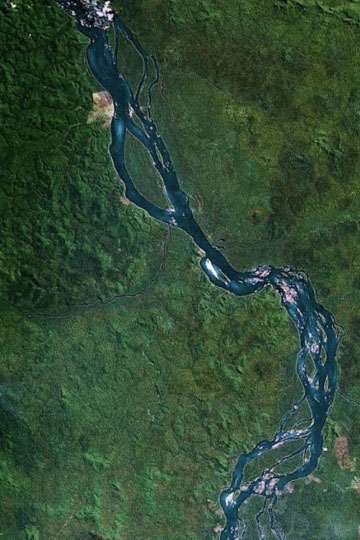 Una sección del río de Xingu según lo visto por Google Earth.