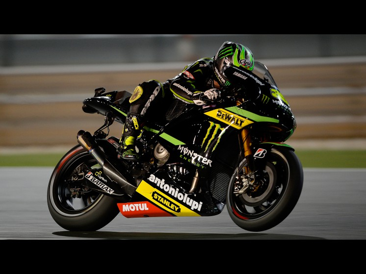 Cal-Crutchlow-Monster-Yamaha-Tech-3-Qatar-FP1-548014