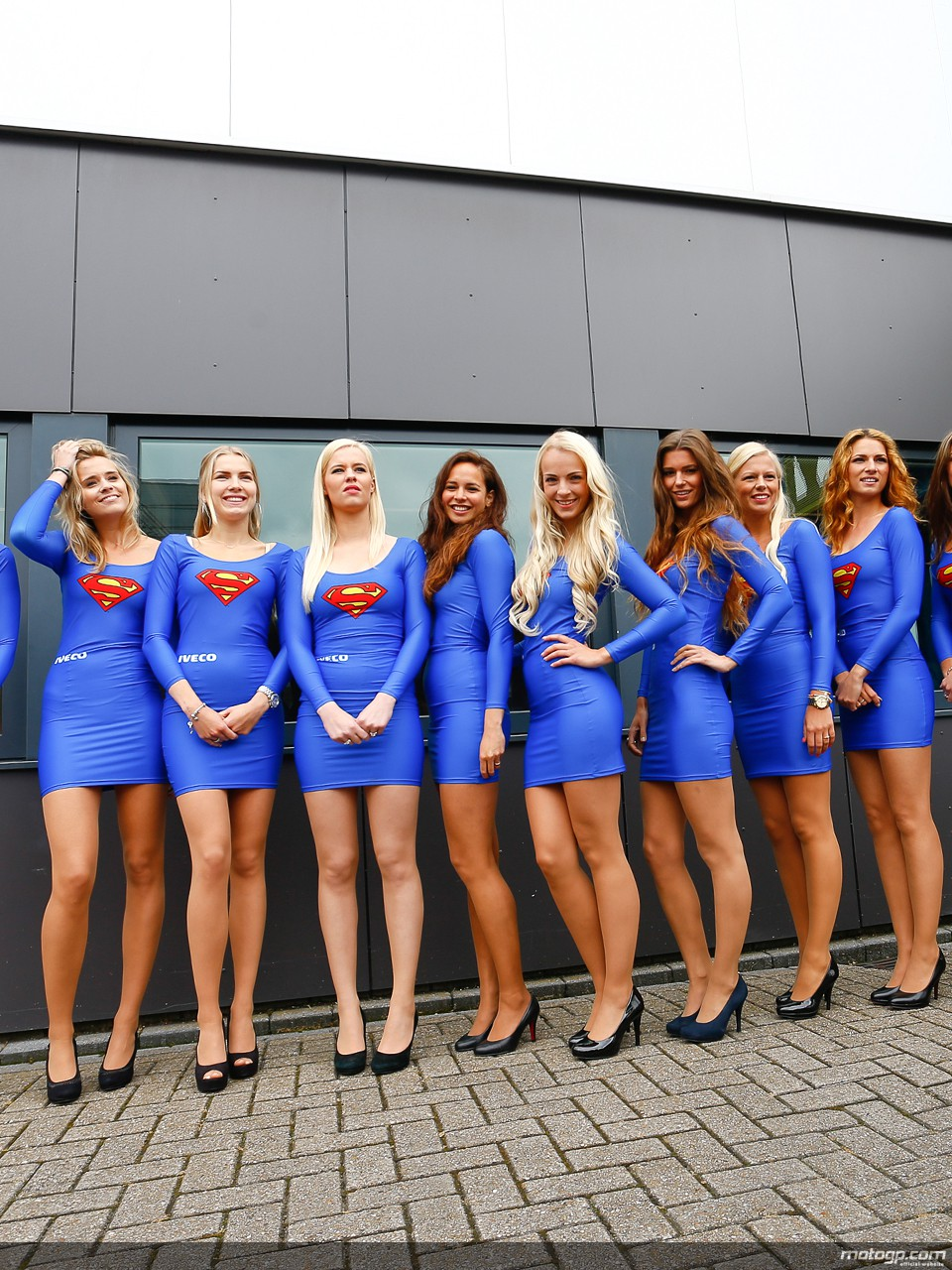 https://i1.wp.com/photos.motogp.com/2013/06/29/paddock_girl_16_original.jpg