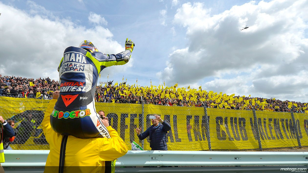 https://i1.wp.com/photos.motogp.com/2013/06/30/rossi_fans_original.jpg