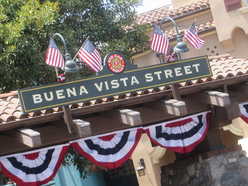 PICTORIAL: Holiday weekend, low crowd levels, changes to Pirates, Adventureland, and more!