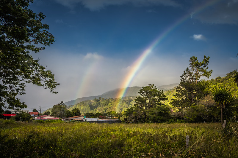 Double Rainbow in Boquete (©simon@myecelcticimages.com)