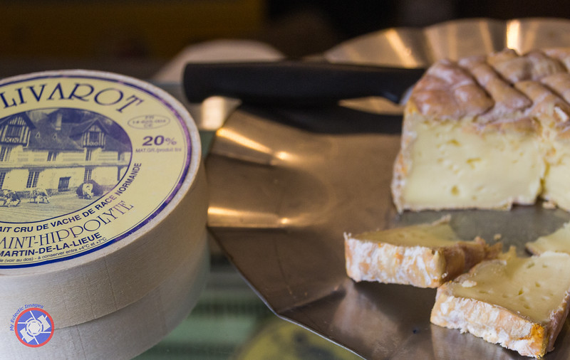 Sampling Time at Fromagerie Durand (©simon@myeclecticimages.com)