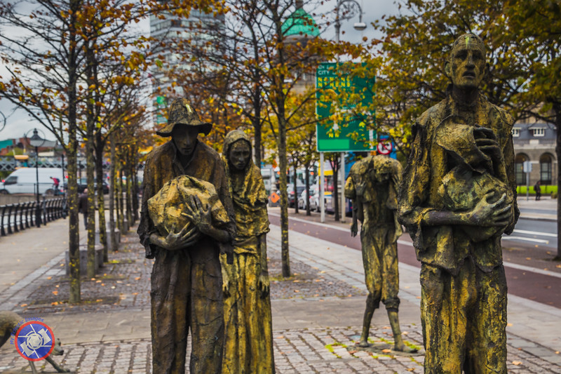Sculptures of Irish Emigrants during the Time of the Potato Famine (©simon@myeclecticimages.com)