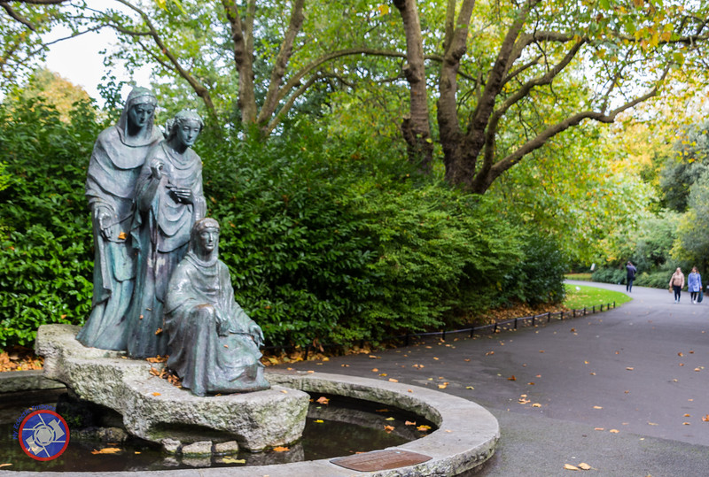 Statues Near One of the Entrances to St. Stephen's Green (©simon@myeclecticimages.com)