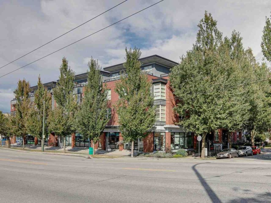 """Main Photo: 309 707 E 20TH Avenue in Vancouver: Fraser VE Condo for sale in """"BLOSSOM"""" (Vancouver East)  : MLS®# R2404449"""