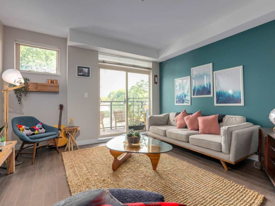 """Photo 4: 309 707 E 20TH Avenue in Vancouver: Fraser VE Condo for sale in """"BLOSSOM"""" (Vancouver East)  : MLS®# R2404449"""