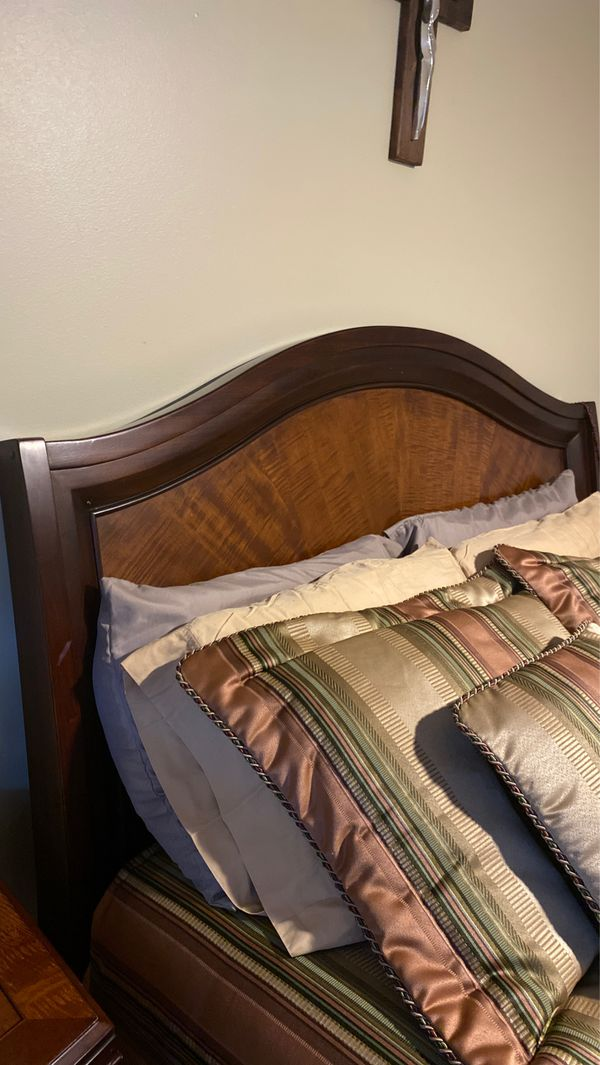 Today, it's a company with hundreds of employees and multiple stores across florida. queen size bed (el dorado furniture) for Sale in Miami, FL ...