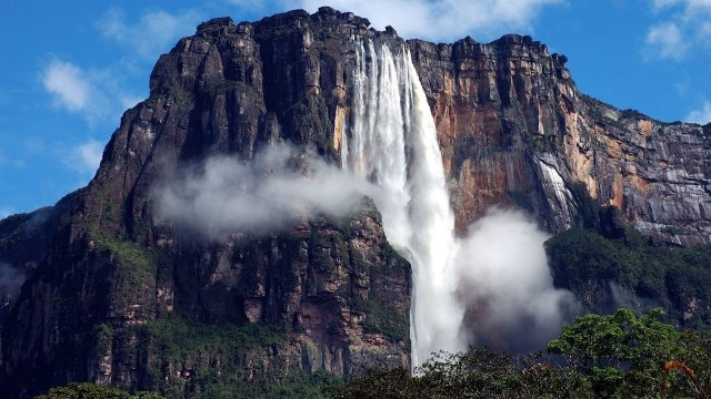 https://i1.wp.com/photos.pouryourheart.com/wp-content/uploads/2018/12/Angel-Falls-Venezuela.jpg?w=640