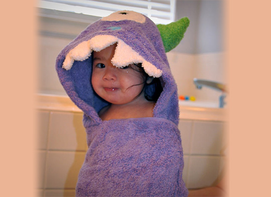 https://i1.wp.com/photos.pouryourheart.com/wp-content/uploads/2018/12/Kids-Hooded-Towels-Inuse.jpg?w=640