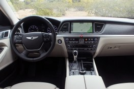 New Hyundai Genesis Car 2015 Pictures (10)