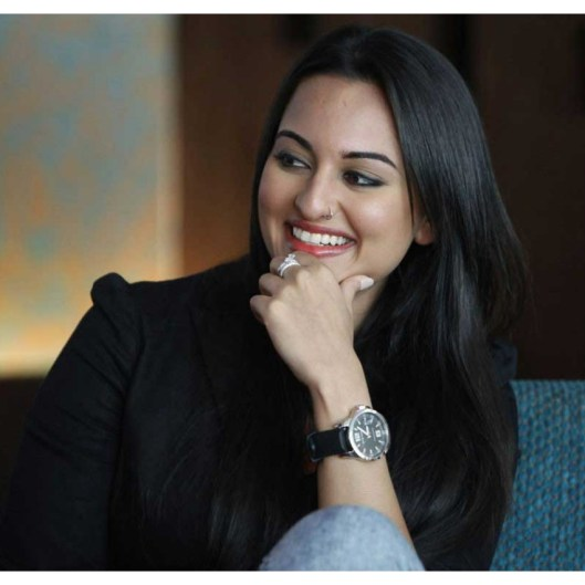 Sonakshi Sinha SIde face Pictures