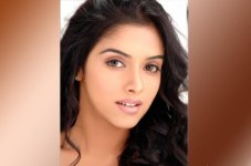 Hot Actress Asin Wallpapers
