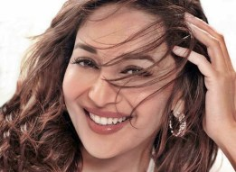 Madhuri Dixit best Smile Pictres