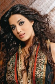 Indian Celebrity Hot Mahi Gill Wallpapers