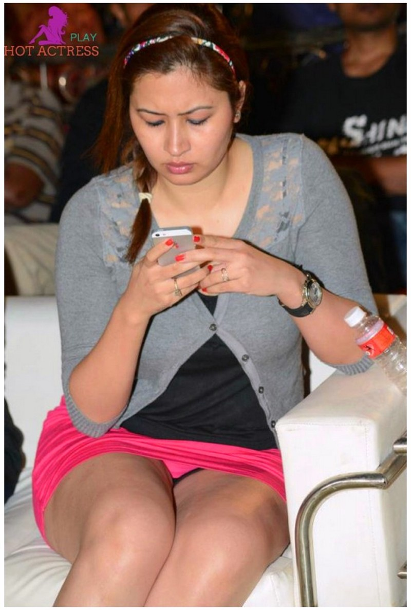 Gutta Jwala in sexy style images