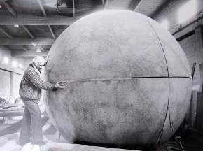 "Al Hartmann | The Salt Lake TribuneKarl Momen with a 13 foot sphere during the construction of the ""Tree of Utah.""."