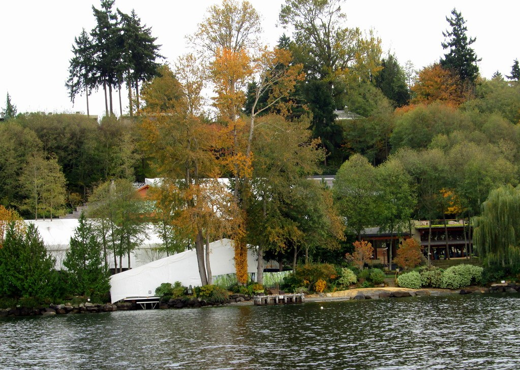 Bill Gates Seattle Home on Lake Washington, One Attraction on the Argosy Cruise Line Lakes Tour