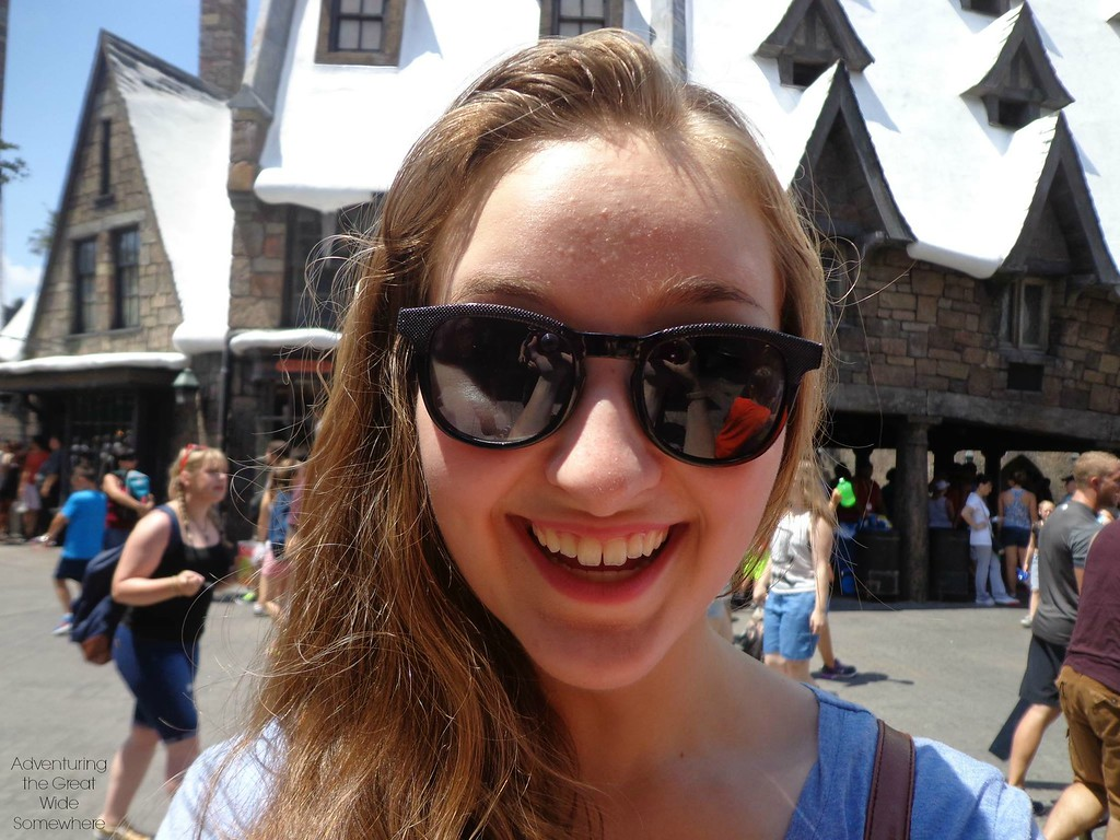 Michelle in the Wizarding World of Harry Potter - Hogsmeade