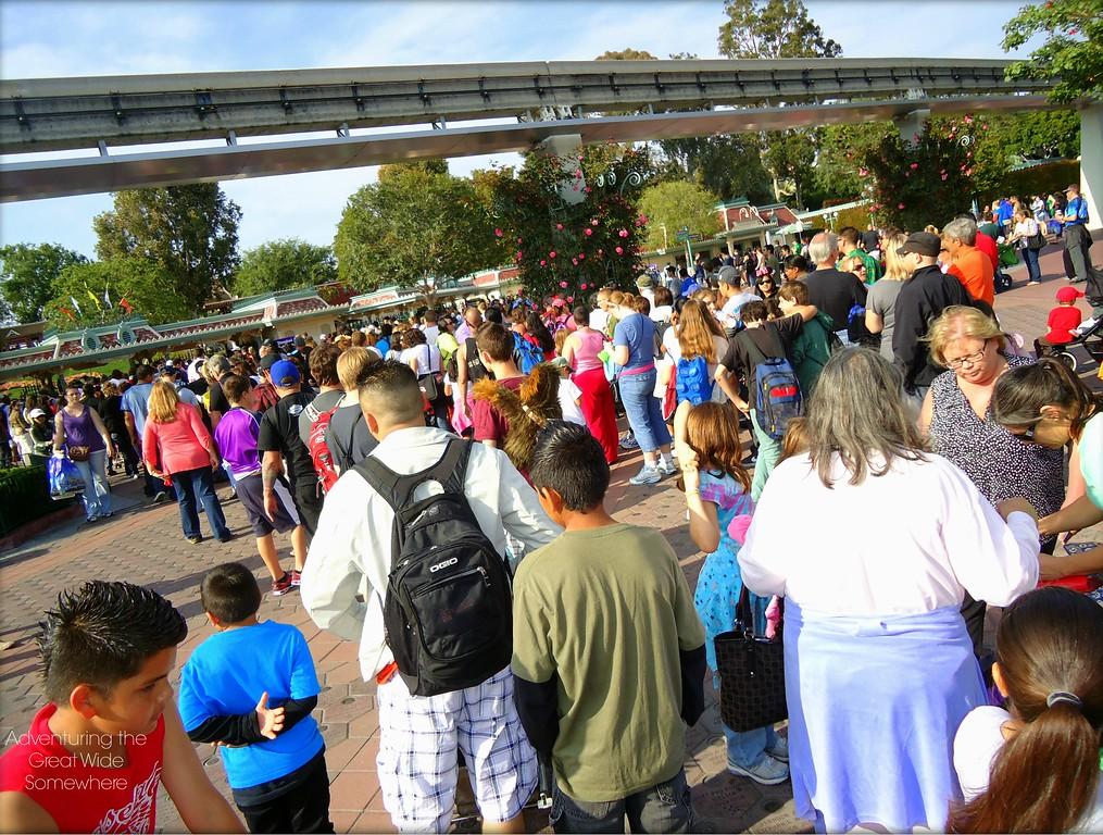 Long Lines to Enter Disneyland Park, Spring 2012