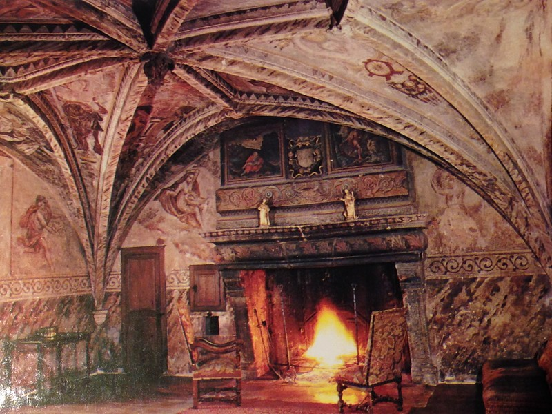 Chateau de Gudmont Fontainebleu Frescoes