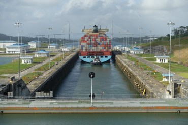 Time Lapse Video – Travelling Through the Panama Canal