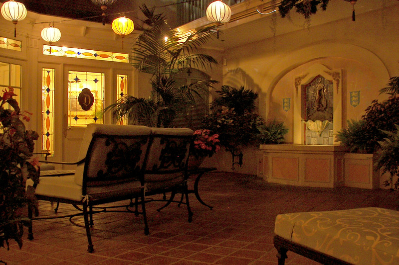 disneyland dream suite 6 patio (8)