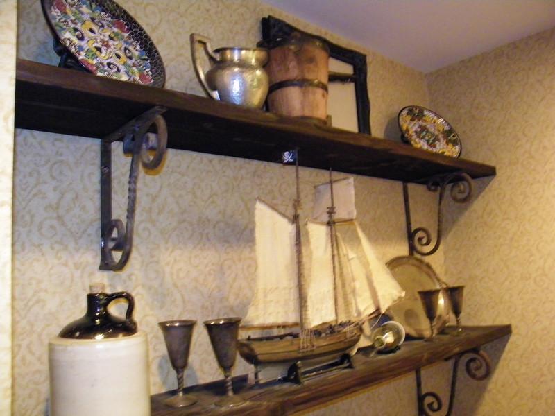 20110602 disneyland hotel pirates of the caribbean suite 2 dining (9)