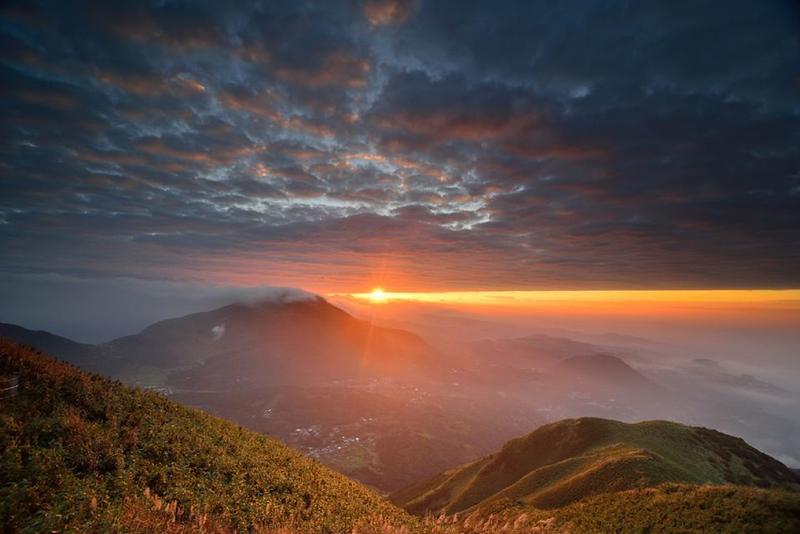 things to do in taipei taiwan - hike yangmingshan