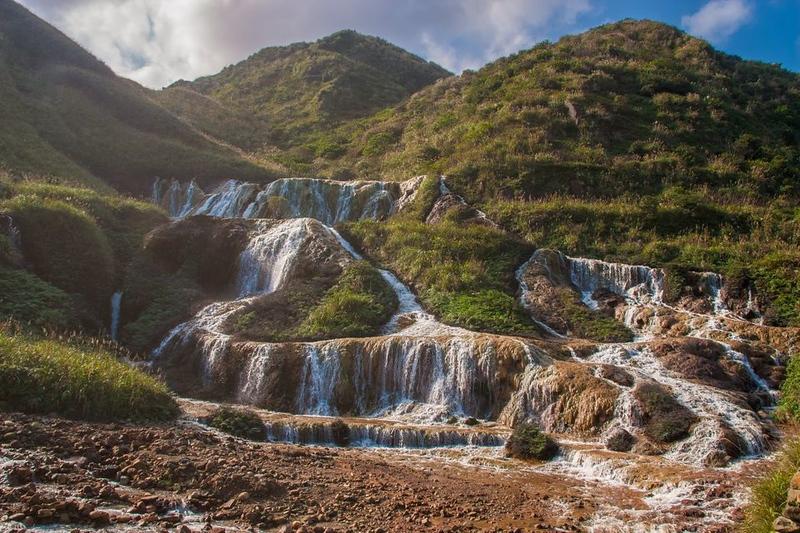 things to do in taipei taiwan - beitou hot springs