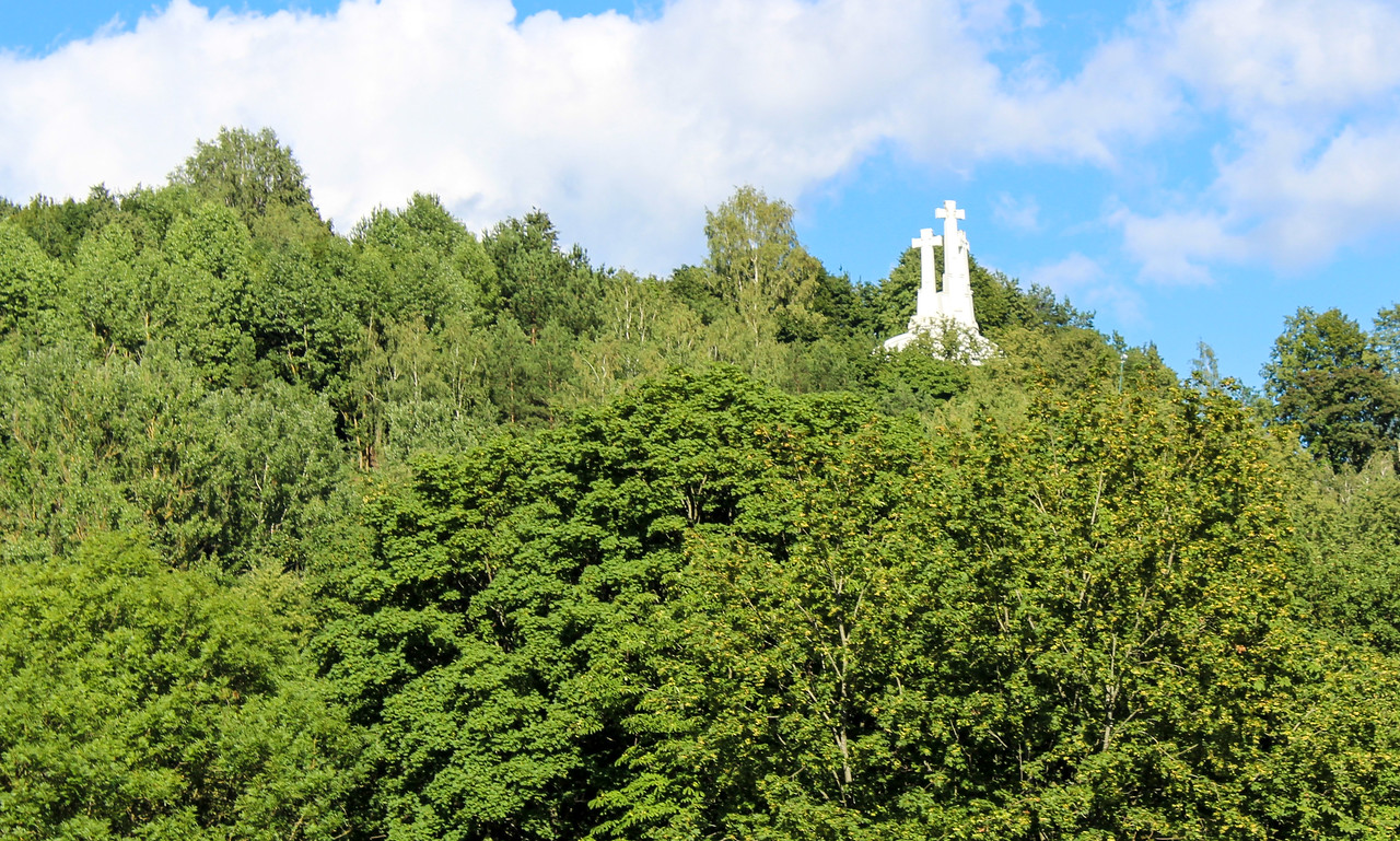 vilnius things to do include the three crosses