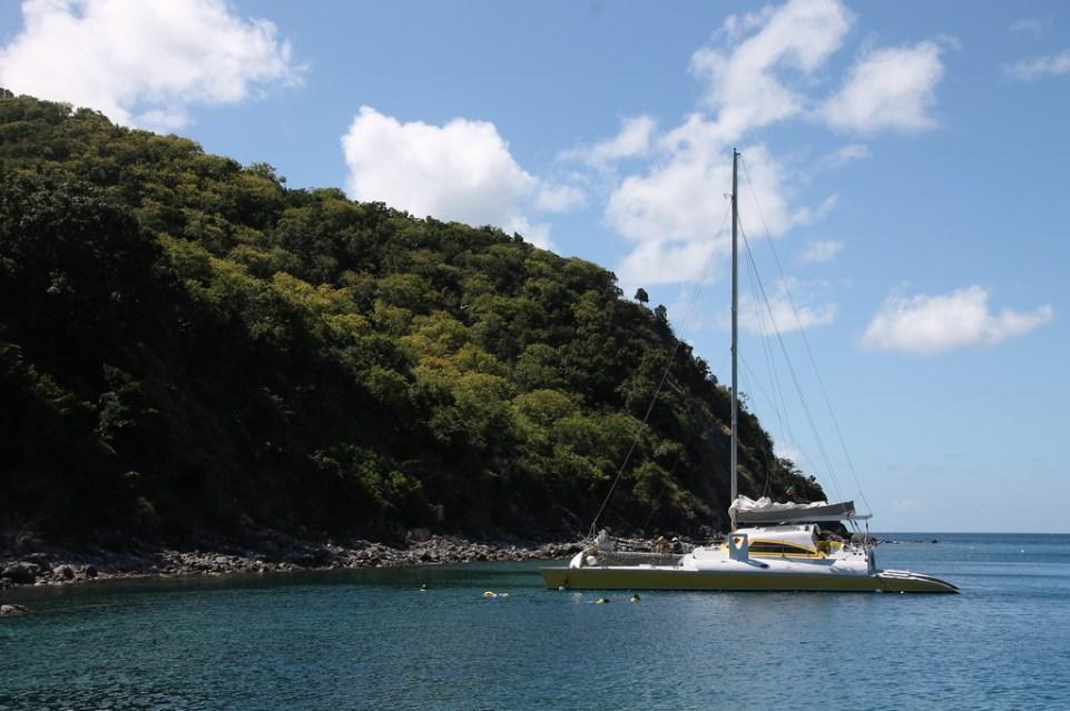 Snorkeling dive spot in St. Kitts & Nevis - RoarLoud.net