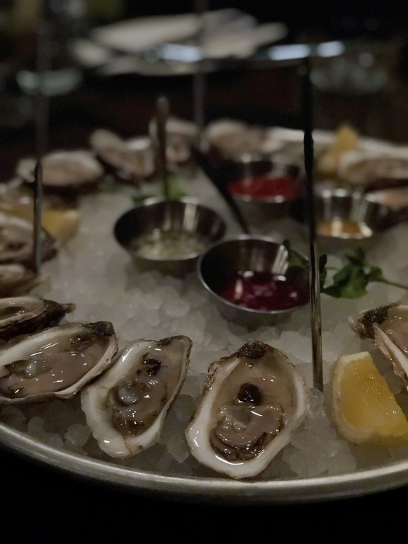 Oysters are JJacques in Saint-Roch