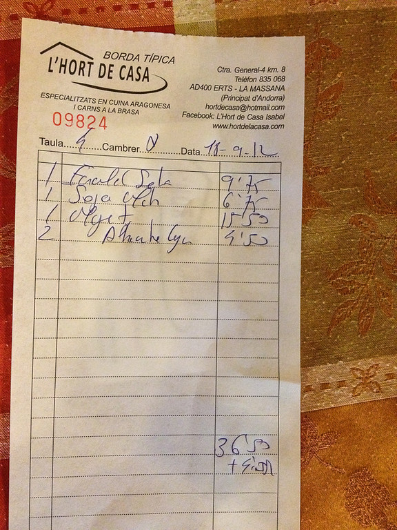 Bill for eating at Restaurant l'Hort de Casa came to €36.50 plus 9% service charge.
