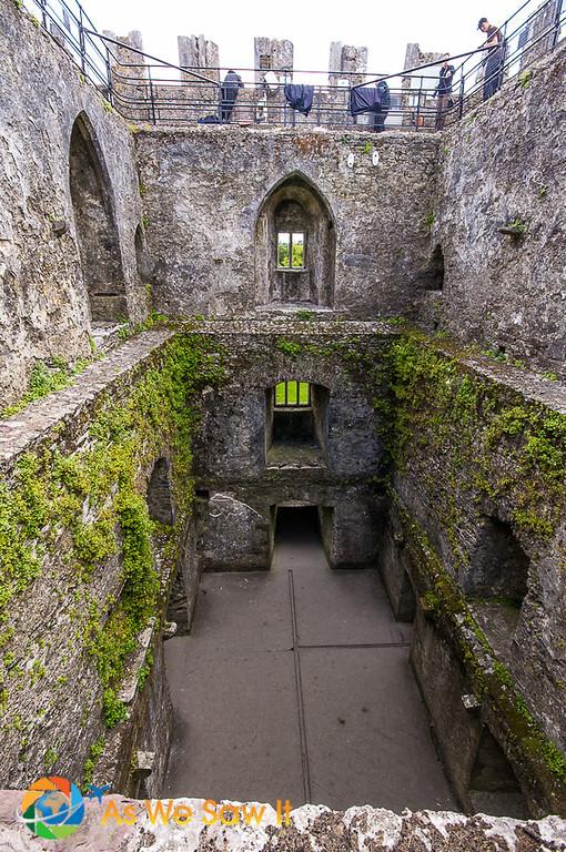 Blarney Castle has no roof.