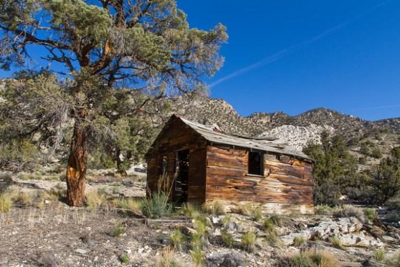 """""""Sandstone"""" Cabin"""