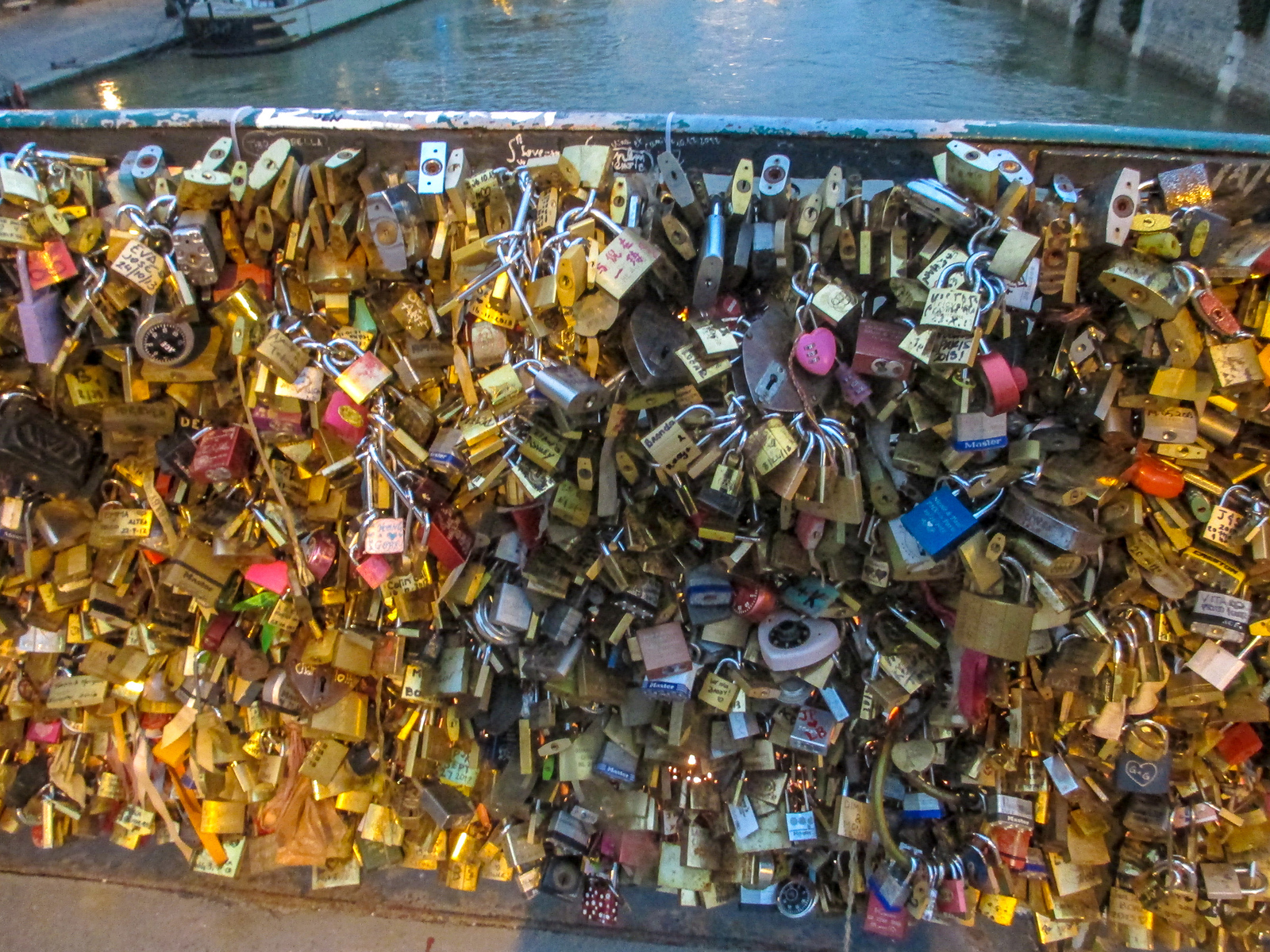 not sure what to do on a weekend in paris? get some love locks!