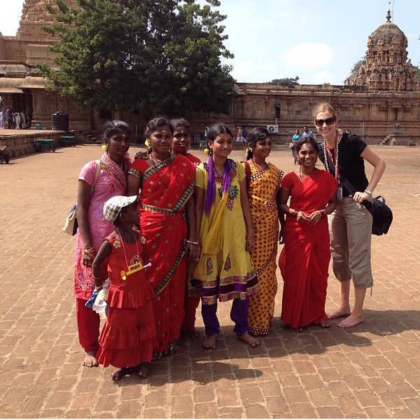 India women at temple