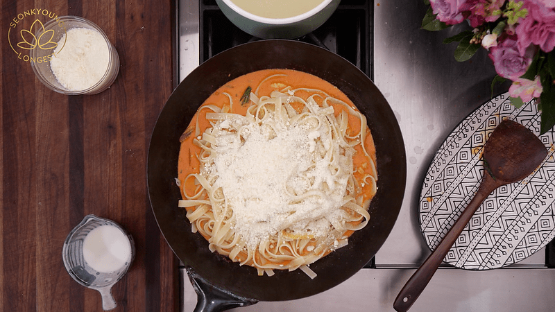 Jjamppong Pasta (Spicy Seafood Pasta) Recipe & Video