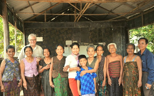volunteer in cambodia responsibly with New Day New Life