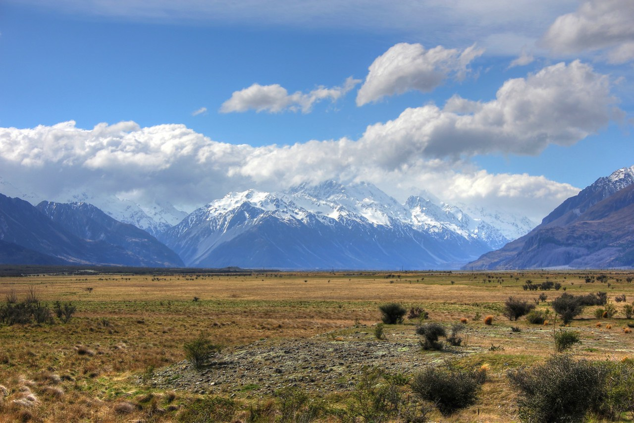 Road to Mount Cook, New Zealand
