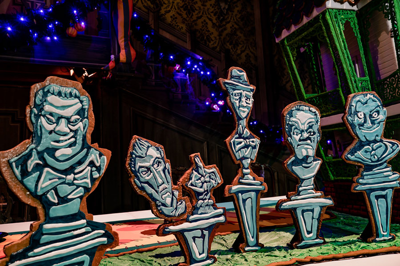 haunted mansion holiday 2019 gingerbread house4