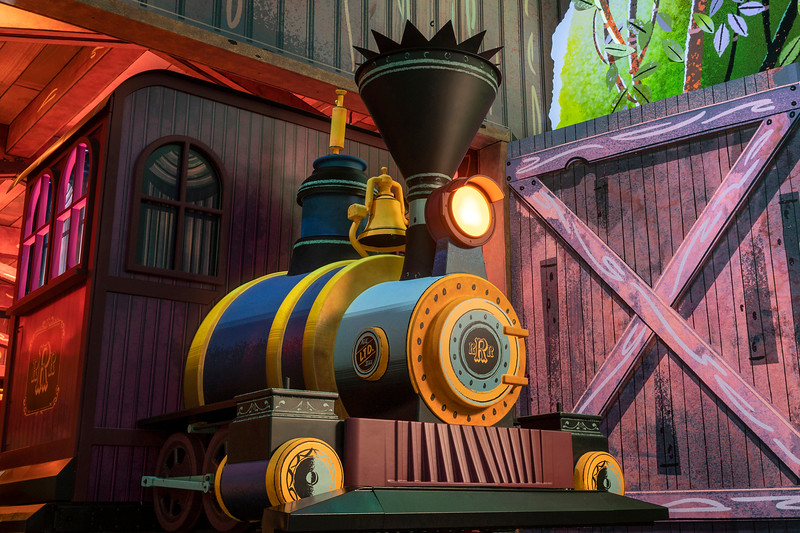 Mickey & Minnie's Runaway Railway Locomotive